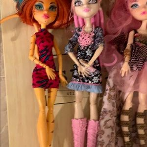 3monster high dolls